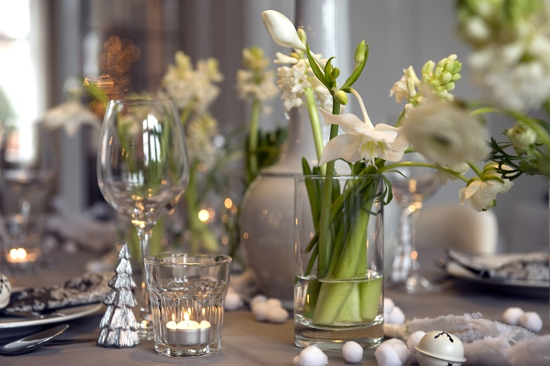 Bulb flowers for the finishing Christmas touch