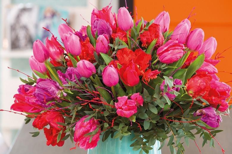 Flowers understand women