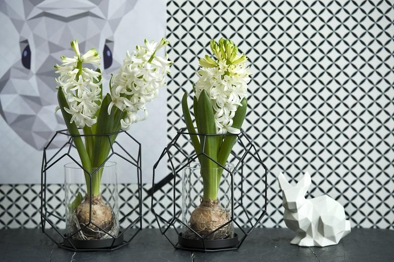 Flower arranging for Easter
